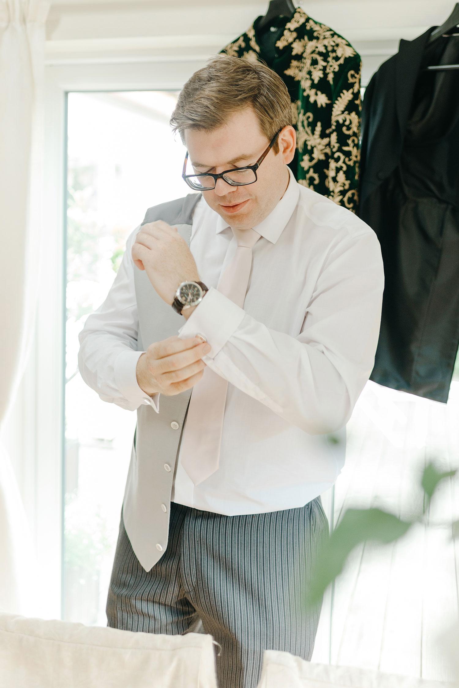 powerscourt-hotel-wedding-photographer-0015_0765.jpg
