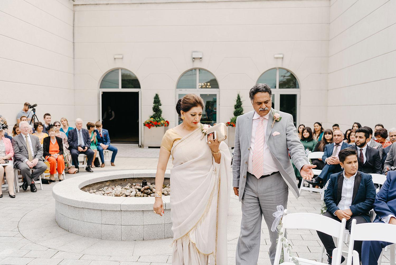powerscourt-hotel-wedding-photographer-0044_0794.jpg