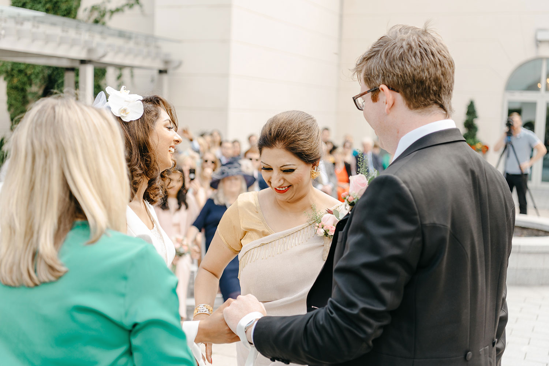 powerscourt-hotel-wedding-photographer-0067_0817.jpg