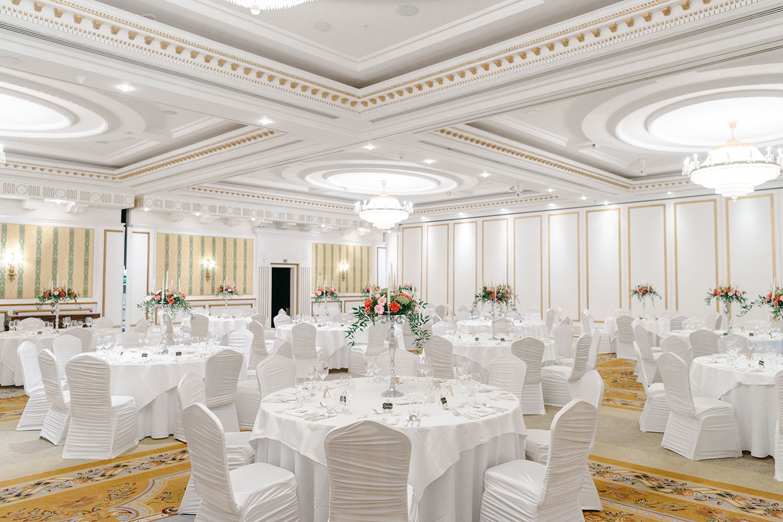 powerscourt-hotel-wedding-photographer-0028_0778.jpg