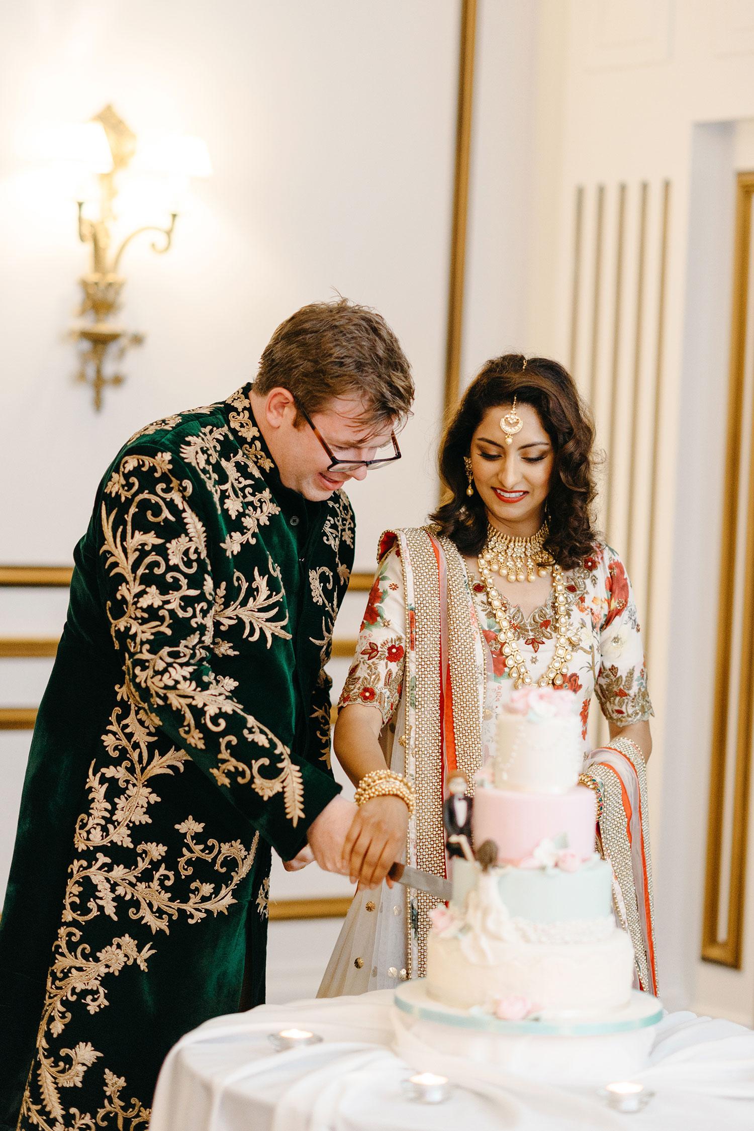 powerscourt-hotel-wedding-photographer-0136_0886.jpg
