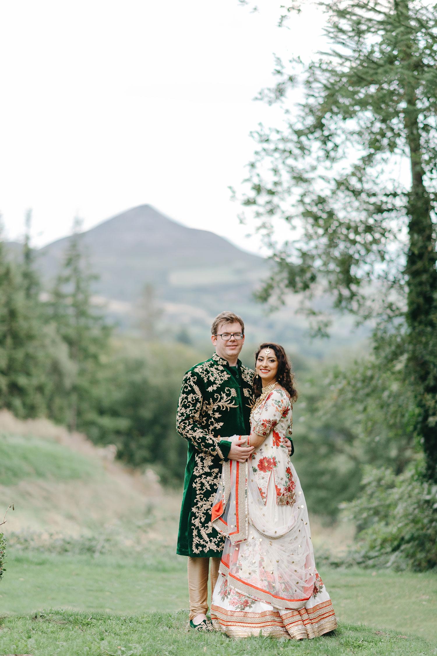 powerscourt-hotel-wedding-photographer-0152_0902.jpg