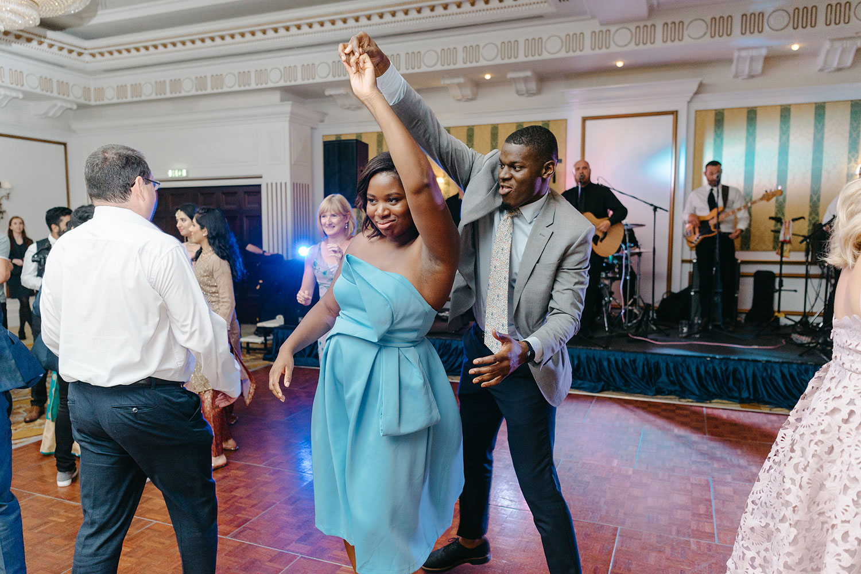 powerscourt-hotel-wedding-photographer-0164_0914.jpg
