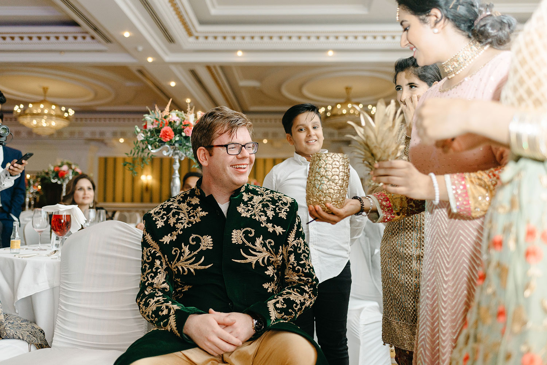 powerscourt-hotel-wedding-photographer-0168_0918.jpg
