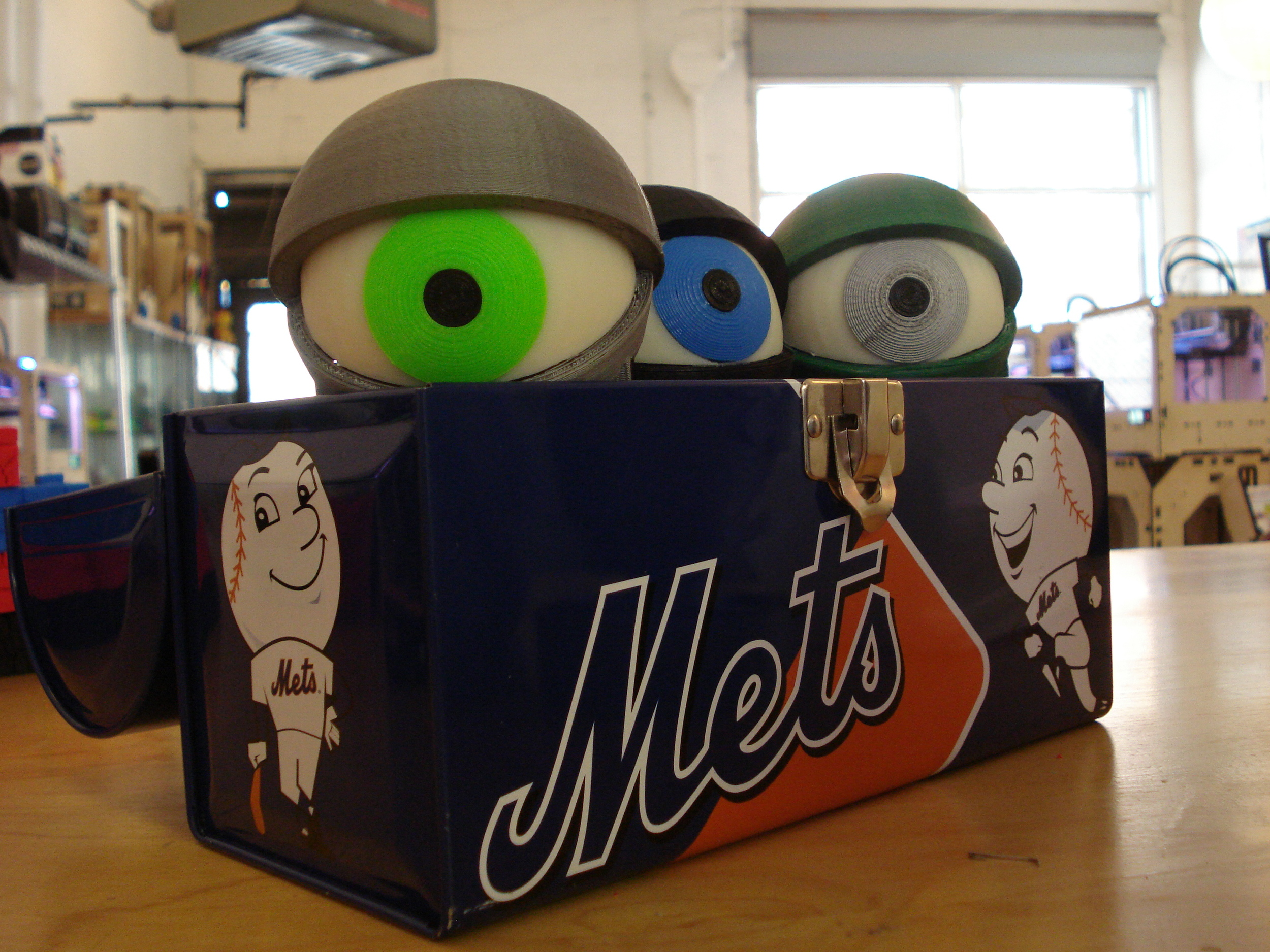 The Minions packed in their lunchbox. They're leaving  @makerbot  and heading to  @makerfairekc