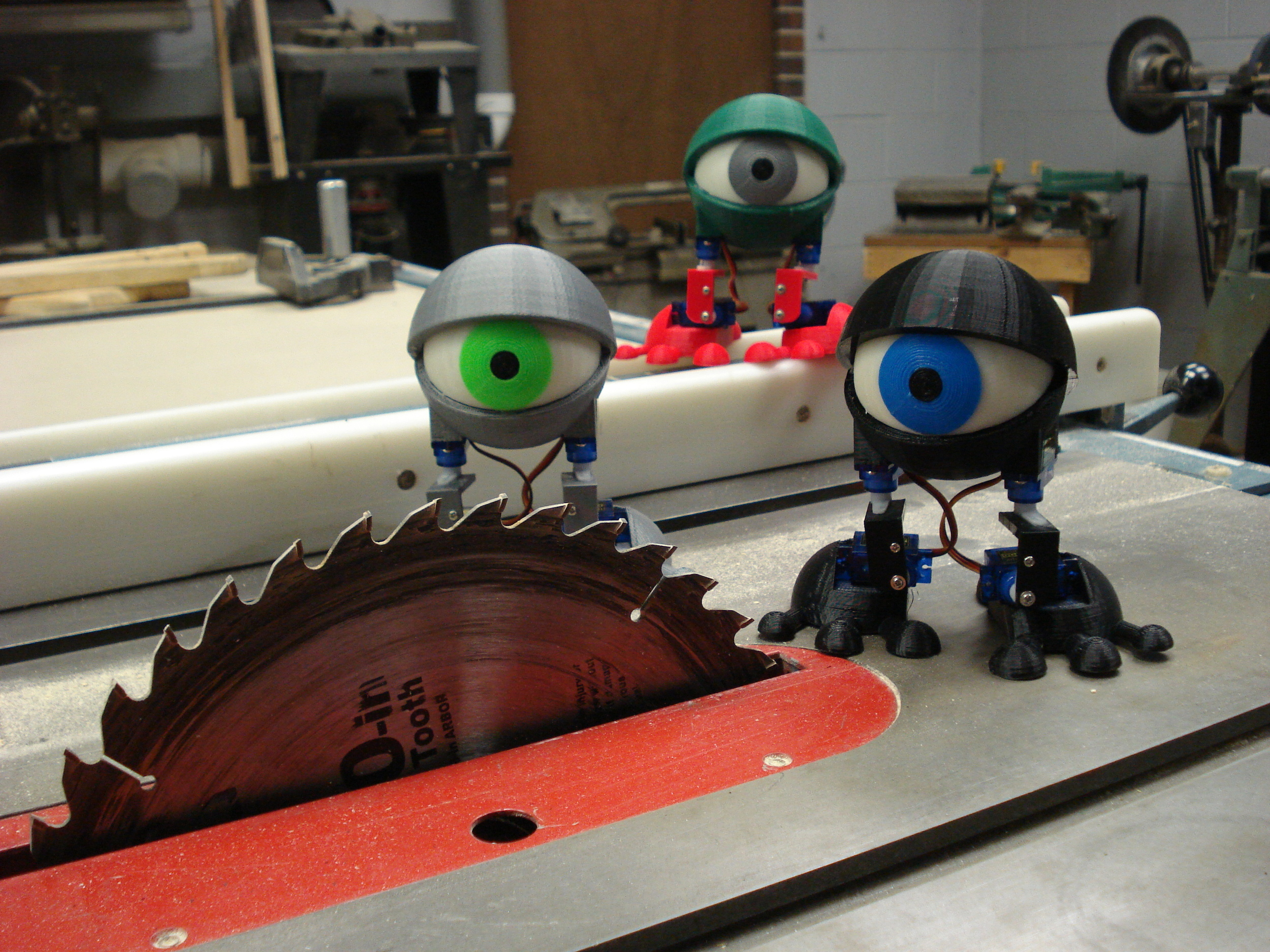 Minions, you should really be wearing safety goggels...   @makerbot   @makerfairekc