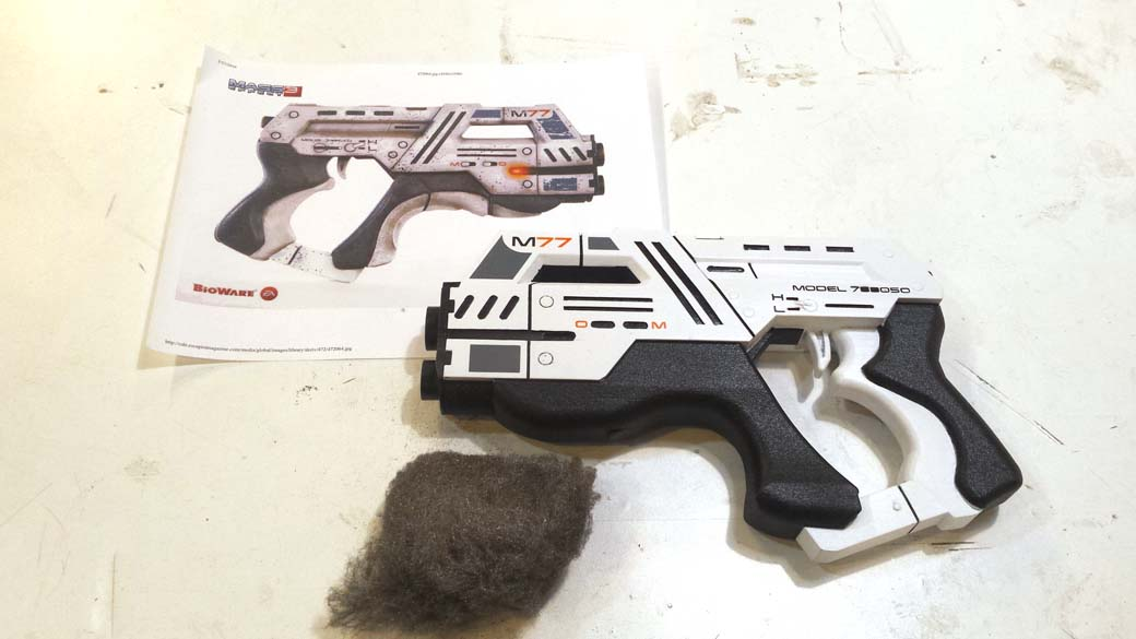 Buffing 3D Printed Cosplay Mass Effect Pistol with steel wool