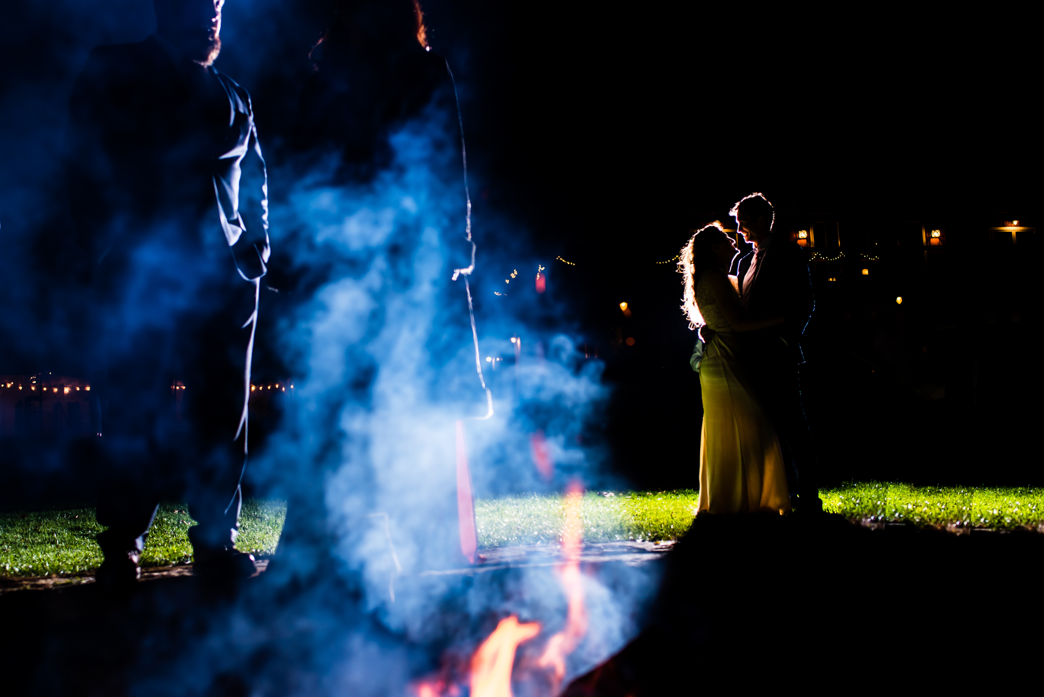 Stefy Hilmer Photography -bonfire during the wedding ceremony on the lawn.jpg