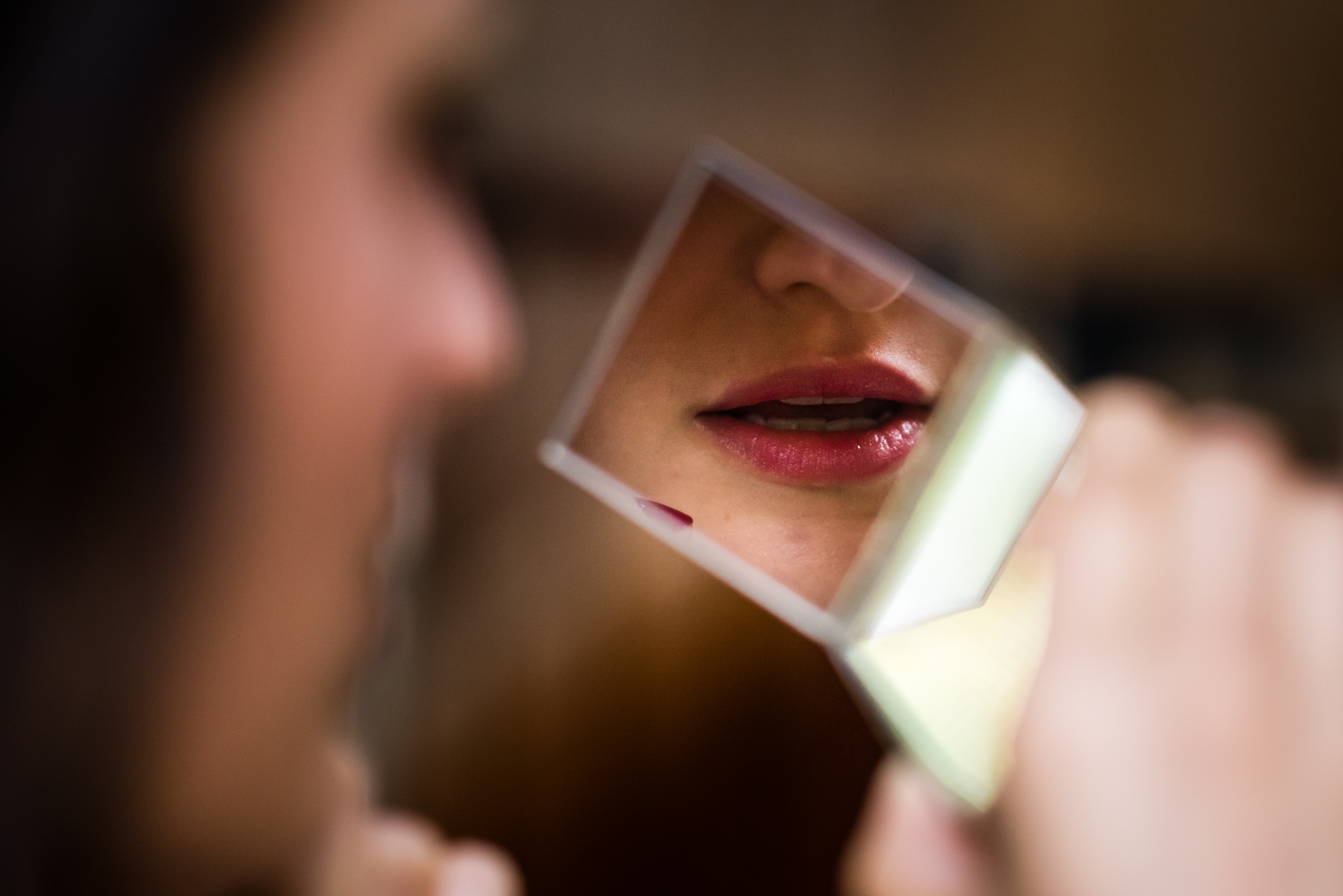 Stefy Hilmer Photography -bride getting ready lipstick.jpg