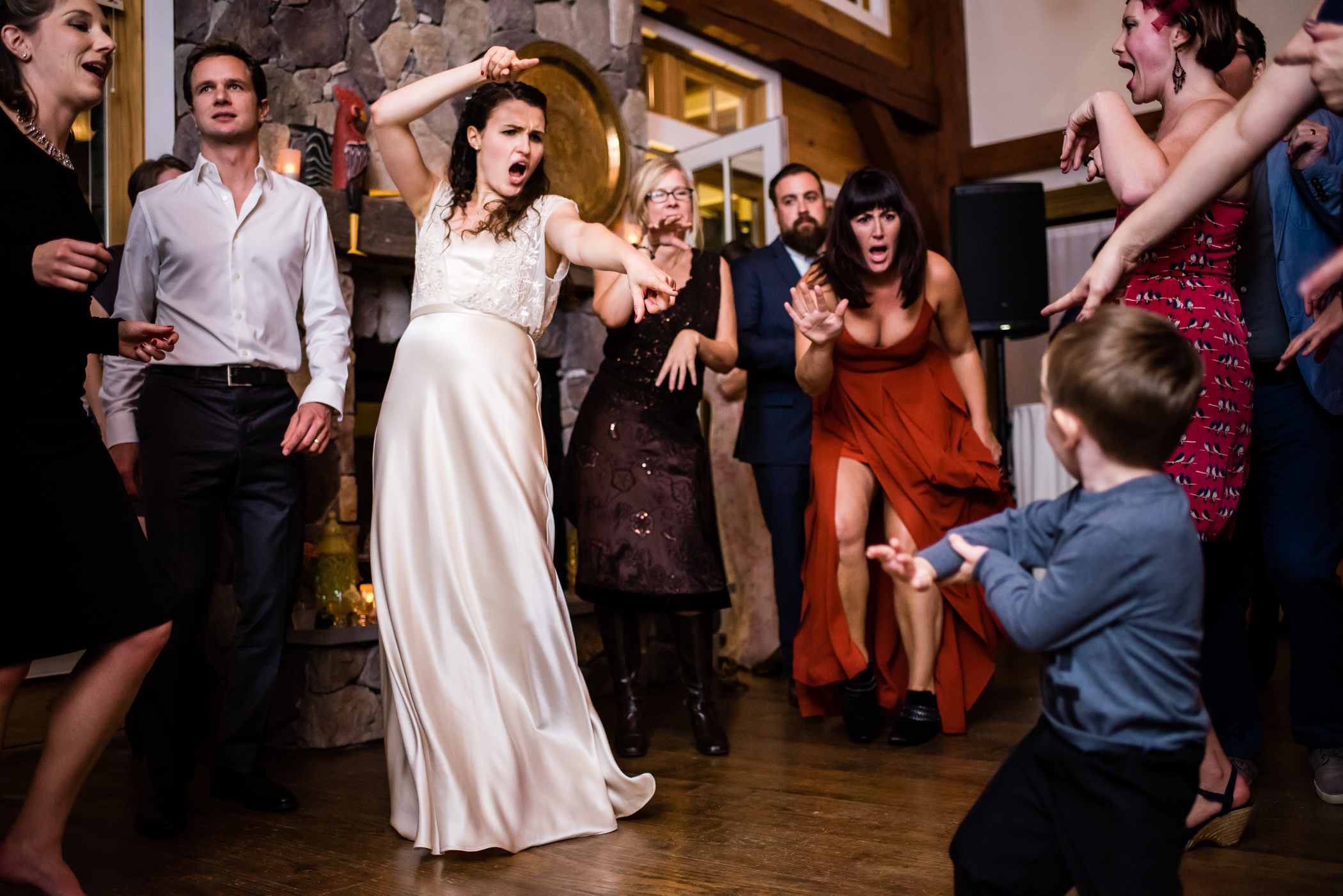 Stefy Hilmer Photography -bride is dancing at reception.jpg