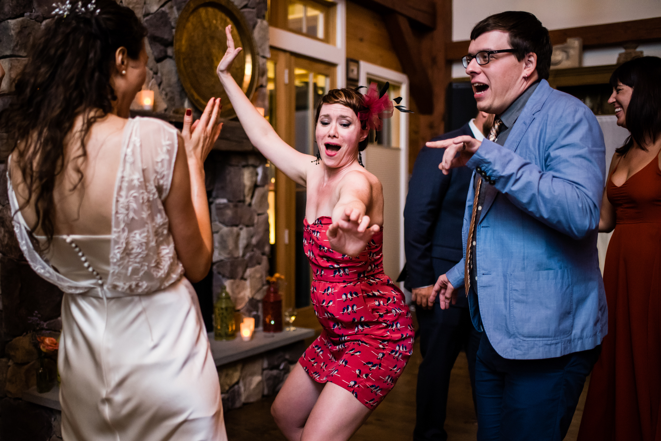 Stefy Hilmer Photography -guests are dancing going wild.jpg