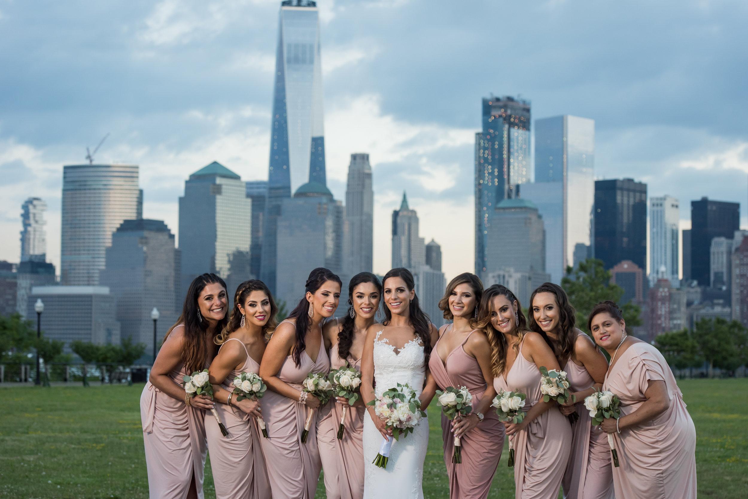 Stefy Hilmer Photography-bridesmaids portrait in front of the Manhattan Skyline.jpg