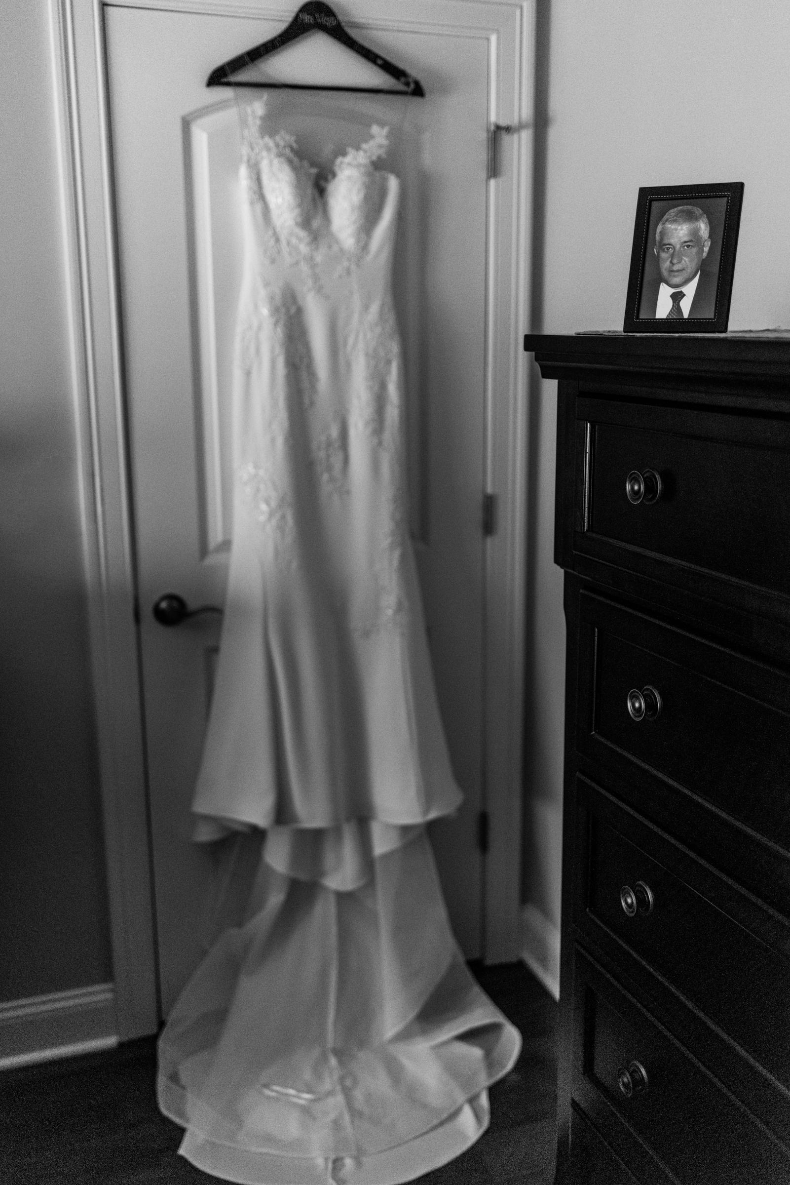 Stefy Hilmer Photography-weddingdress detail photo.jpg