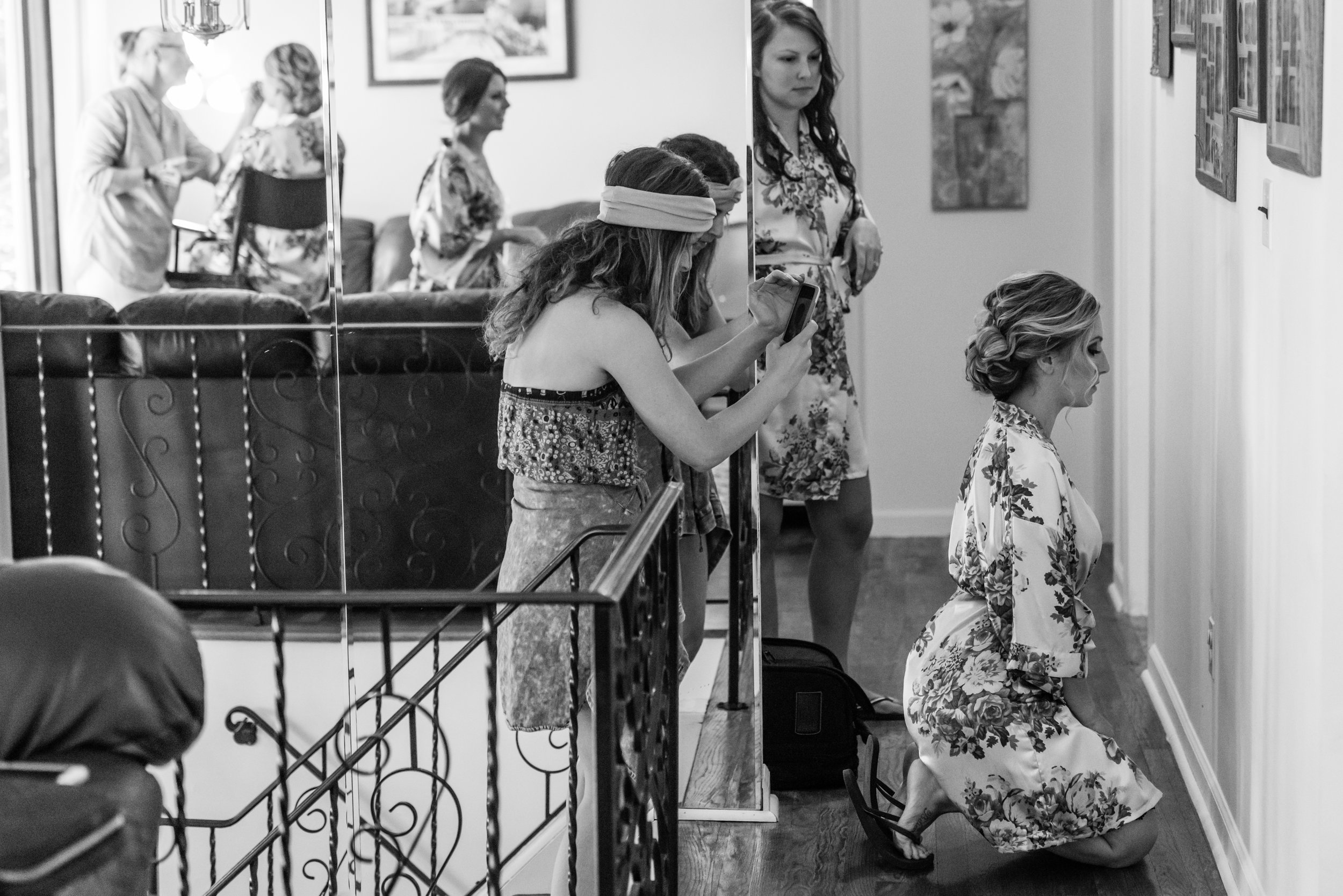Stefy Hilmer Photography-bridal party getting ready.jpg