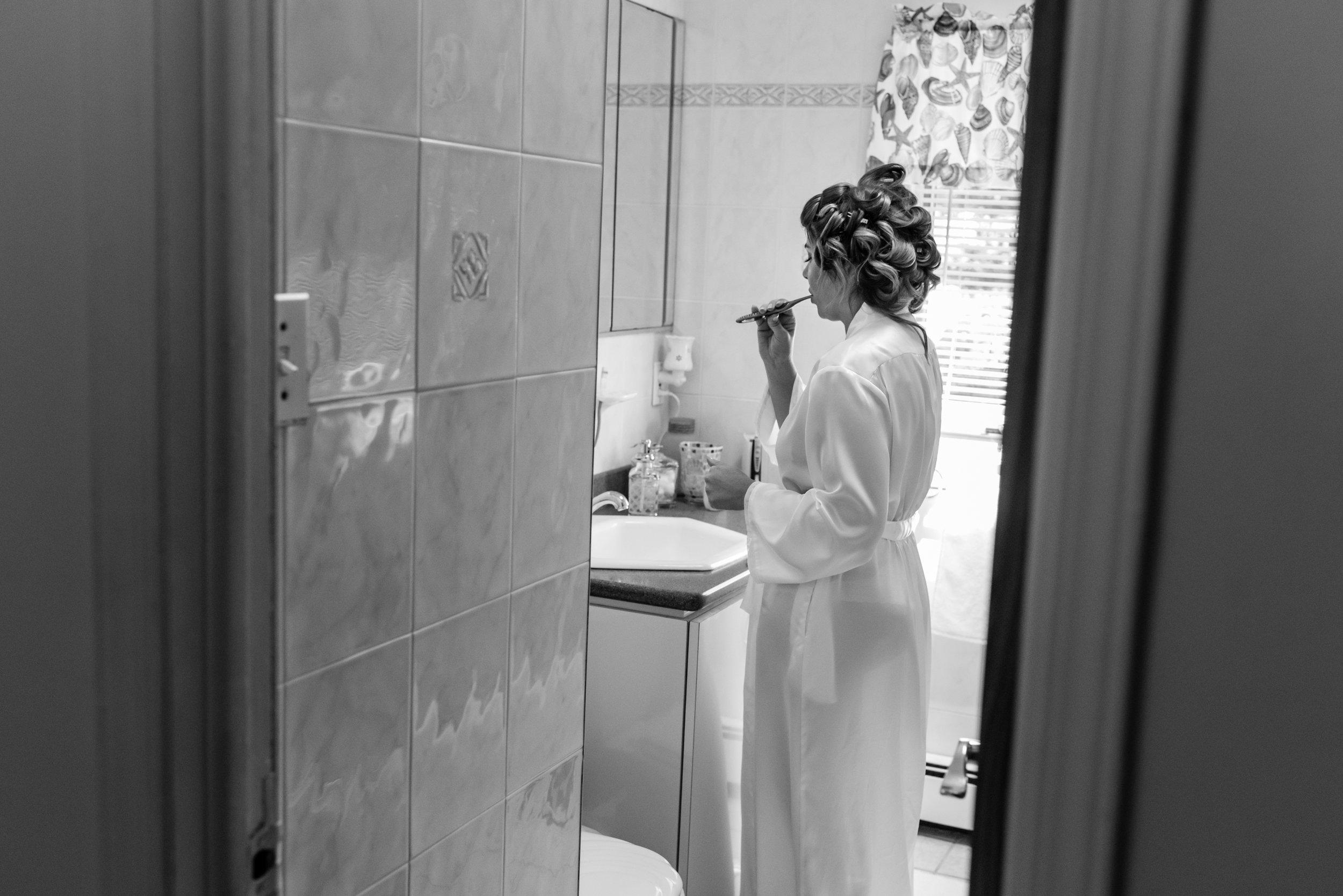 Stefy Hilmer Photography-bride brushing teeth.jpg