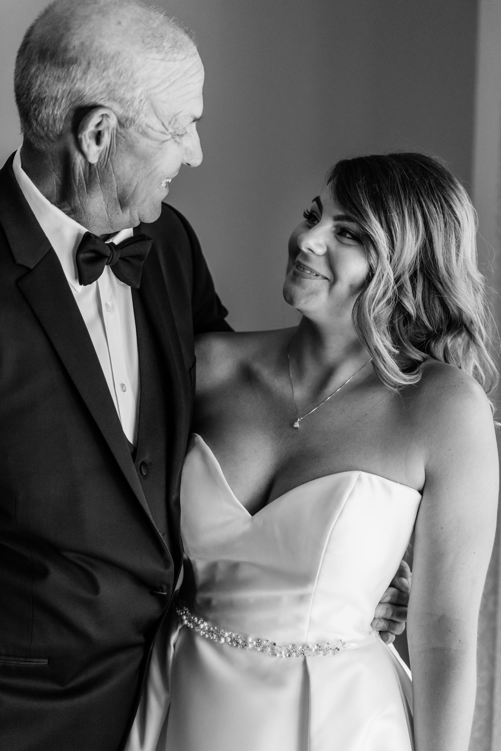 Stefy Hilmer Photography-father daughter moment before the wedding ceremony.jpg