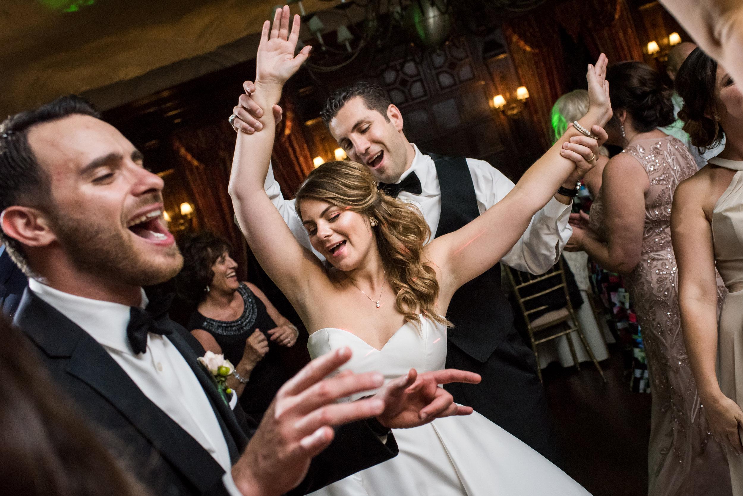 Stefy Hilmer Photography-wedding dancing fun with wedding couple.jpg