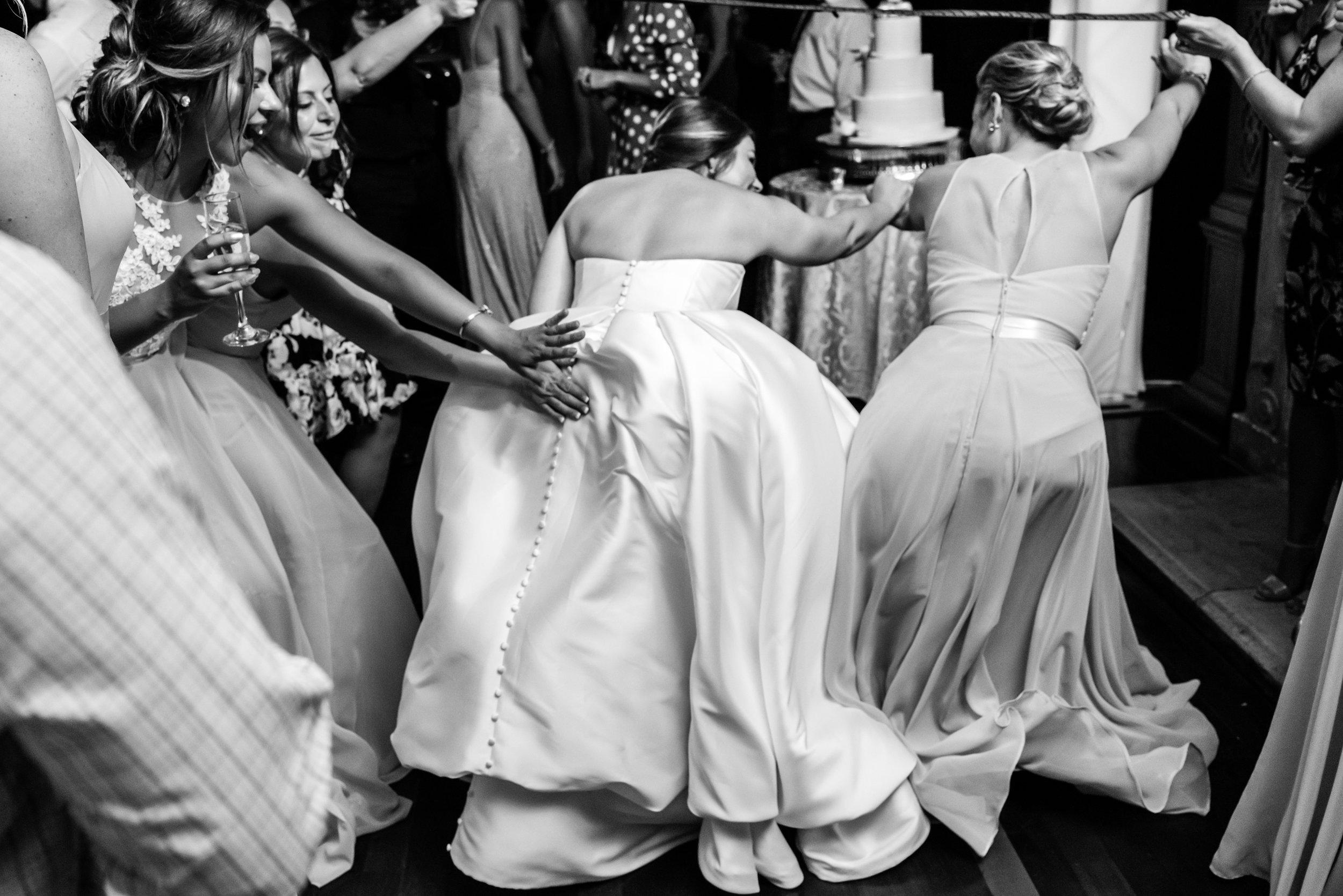 Stefy Hilmer Photography-wedding dancing fun.jpg