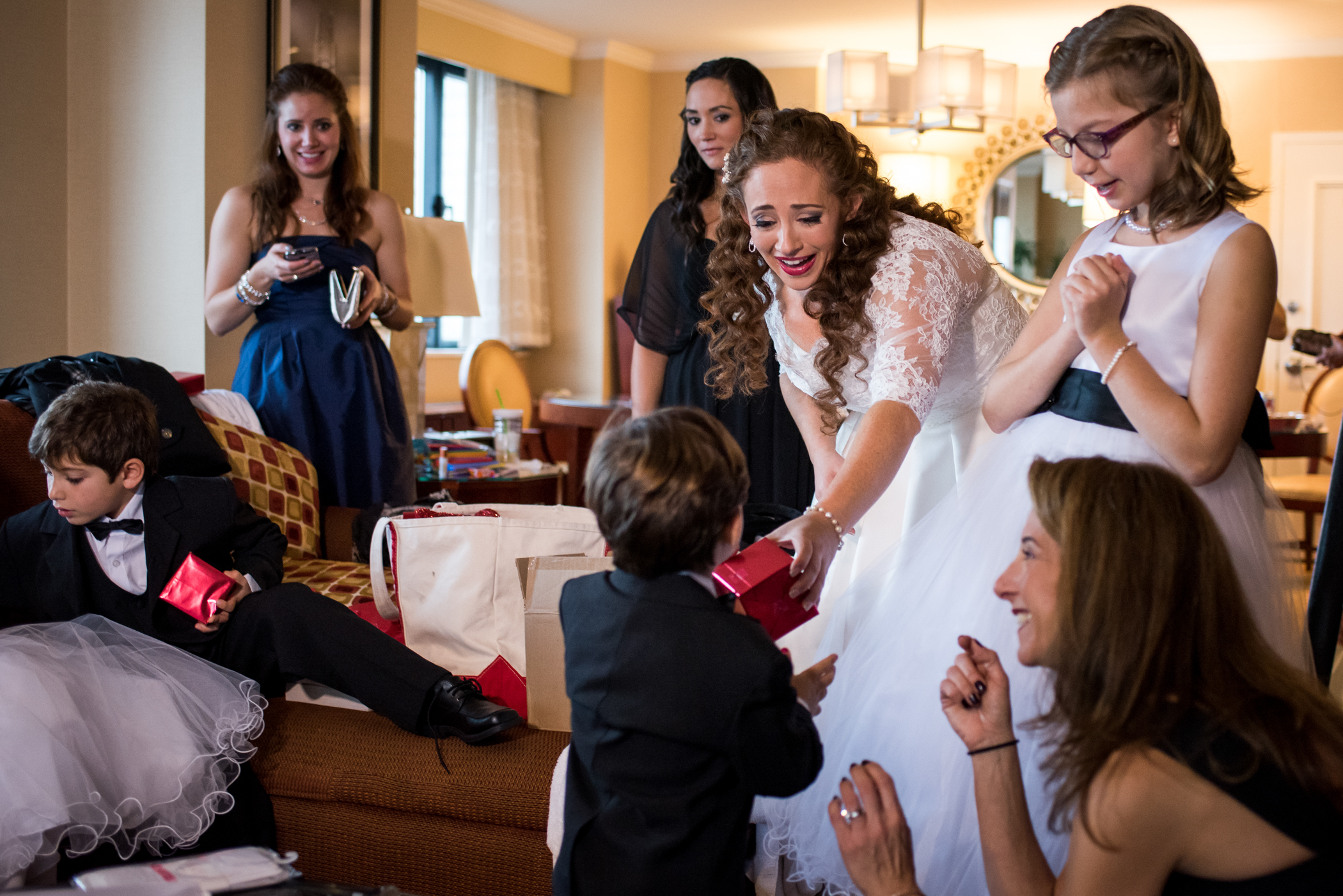 Stefy Hilmer Photography-bride is giving gifts to her flowergirls and ushers.jpg