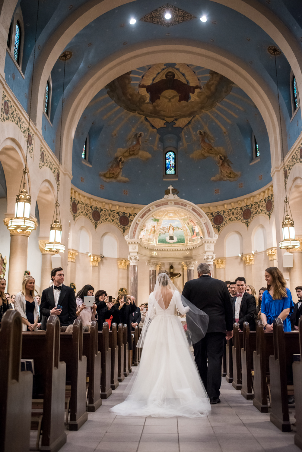 Stefy Hilmer Photography-dad is walking his daughter down the aisle.jpg
