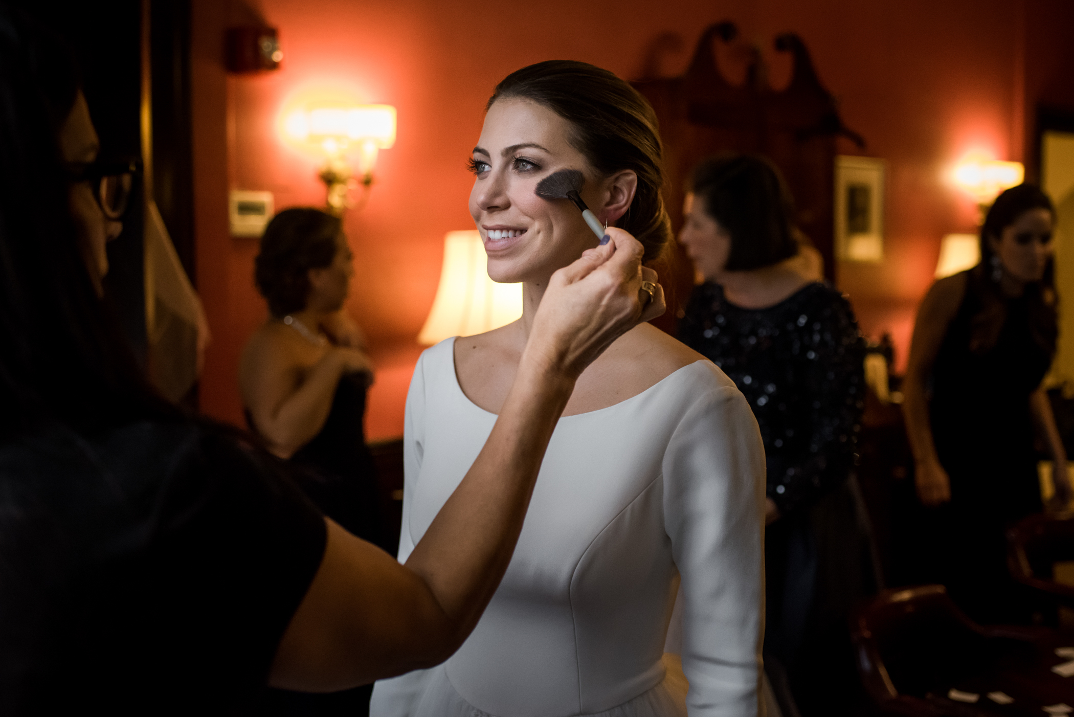 Stefy Hilmer Photography-finishing touches for the bride before the ceremony.jpg