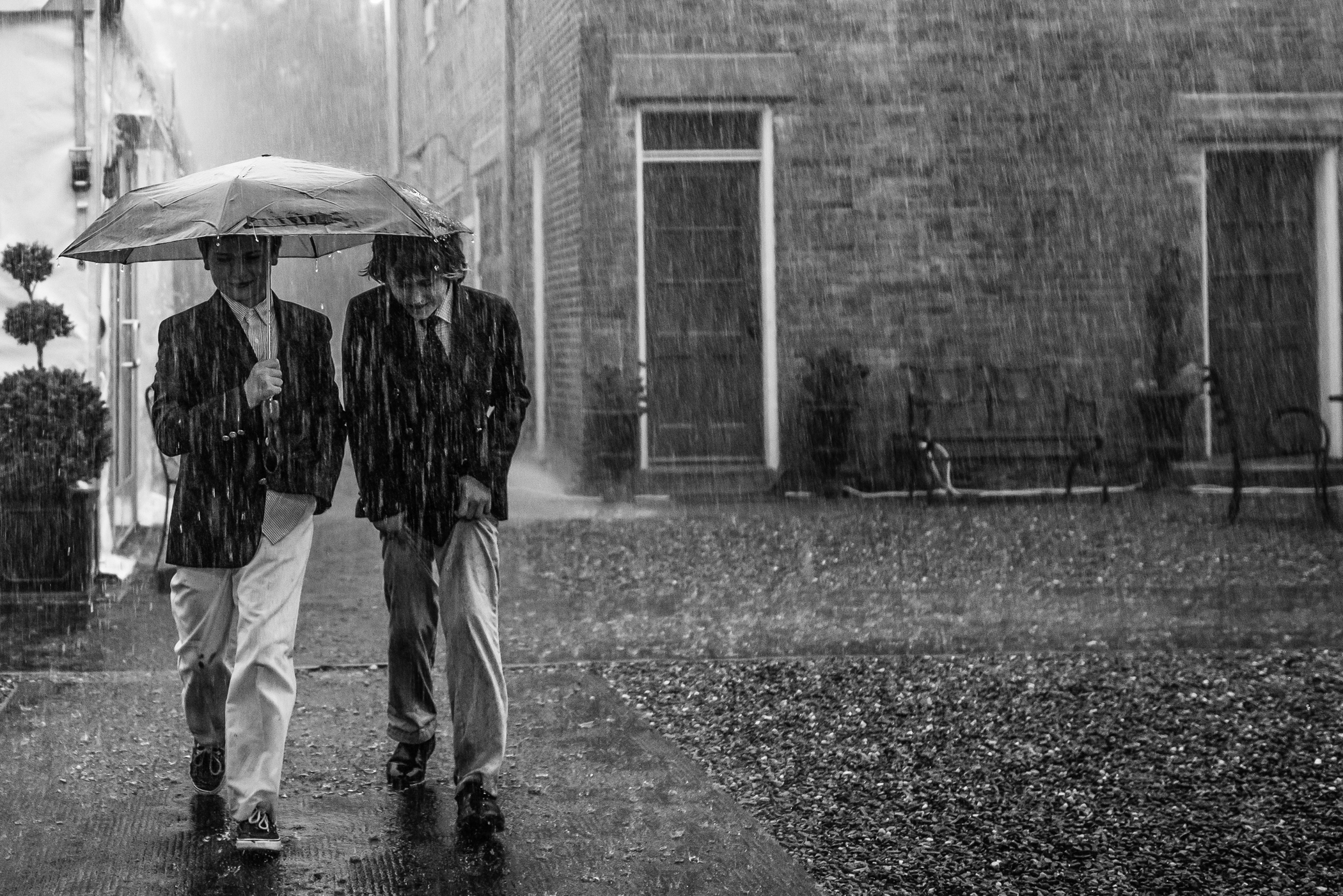 Stefy Hilmer Photography-pouring rain during wedding day.jpg