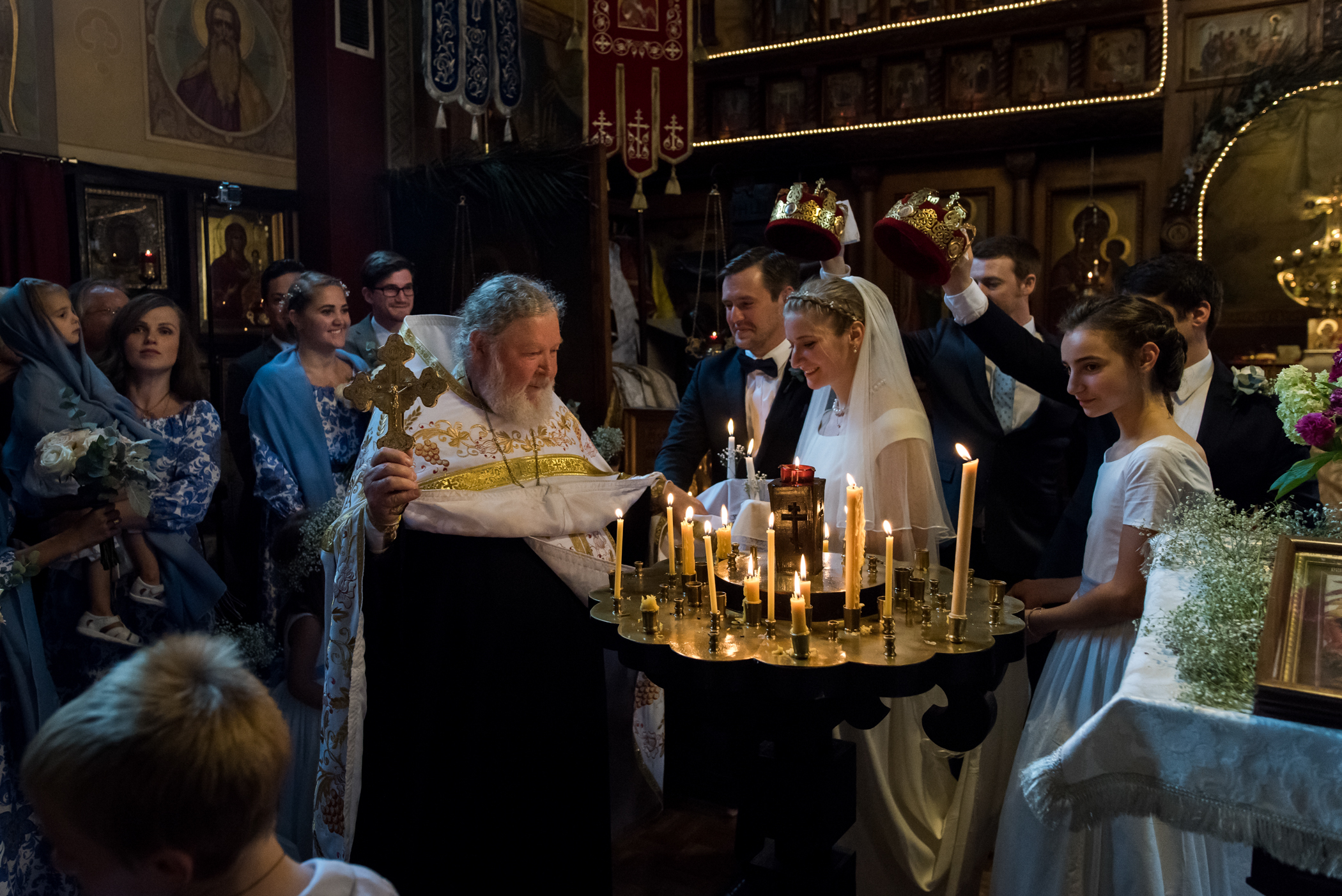 Stefy Hilmer Photography-priest is blessing the bride and groom.jpg