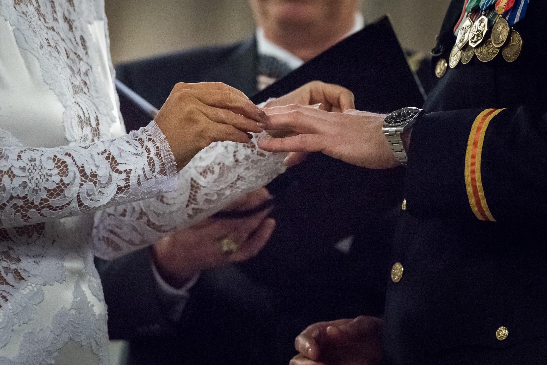 Stefy Hilmer Photography-bride andn groom exchanging rings.jpg
