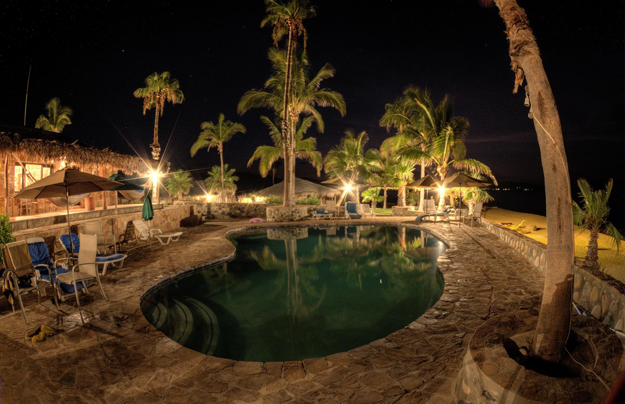 Rancho_19_PoolAndBeach.jpg