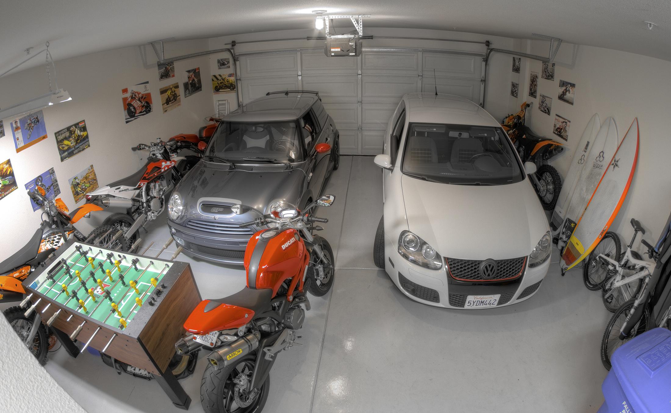 Playhouse garage