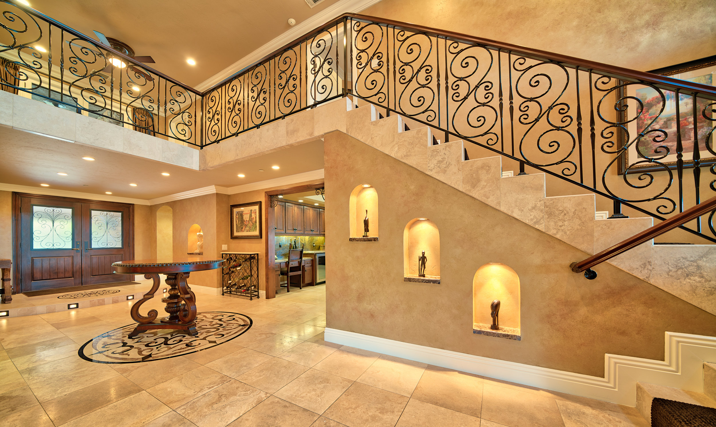 4153_PalomarDr_Interior_Stairs01_full.jpg