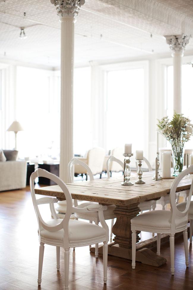 new-york-loft-dining-room