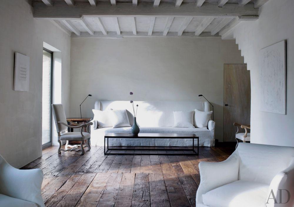 rustic-living-room-axel-vervoordt-belgium-201108_1000-watermarked