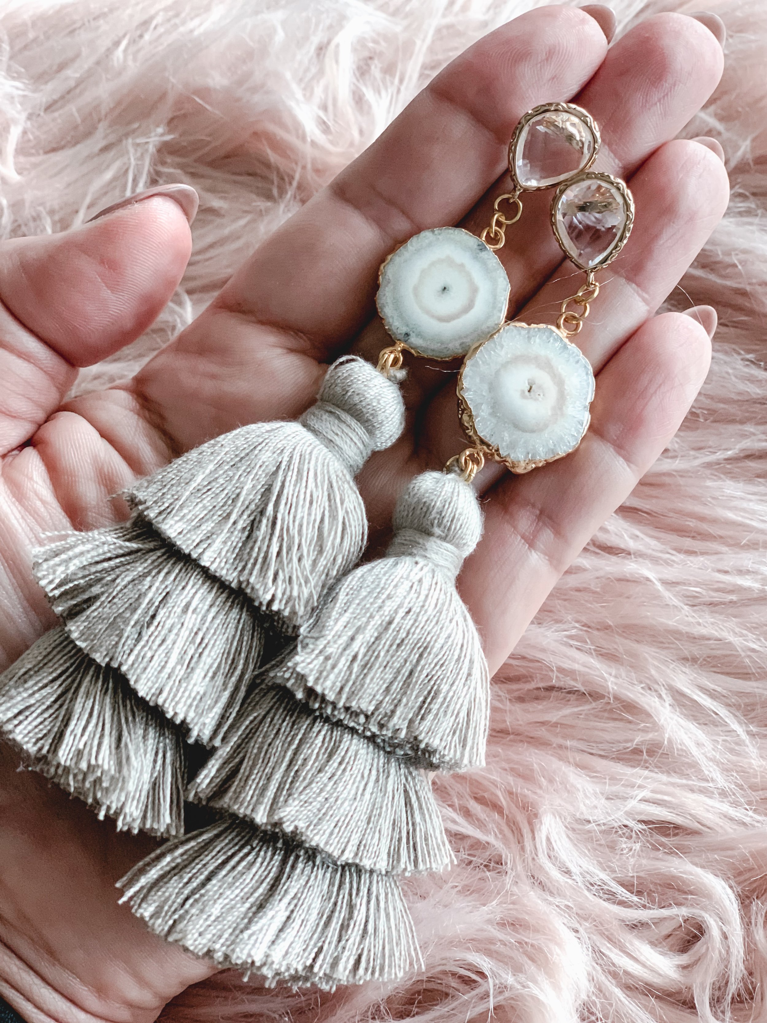 Agate with tassel