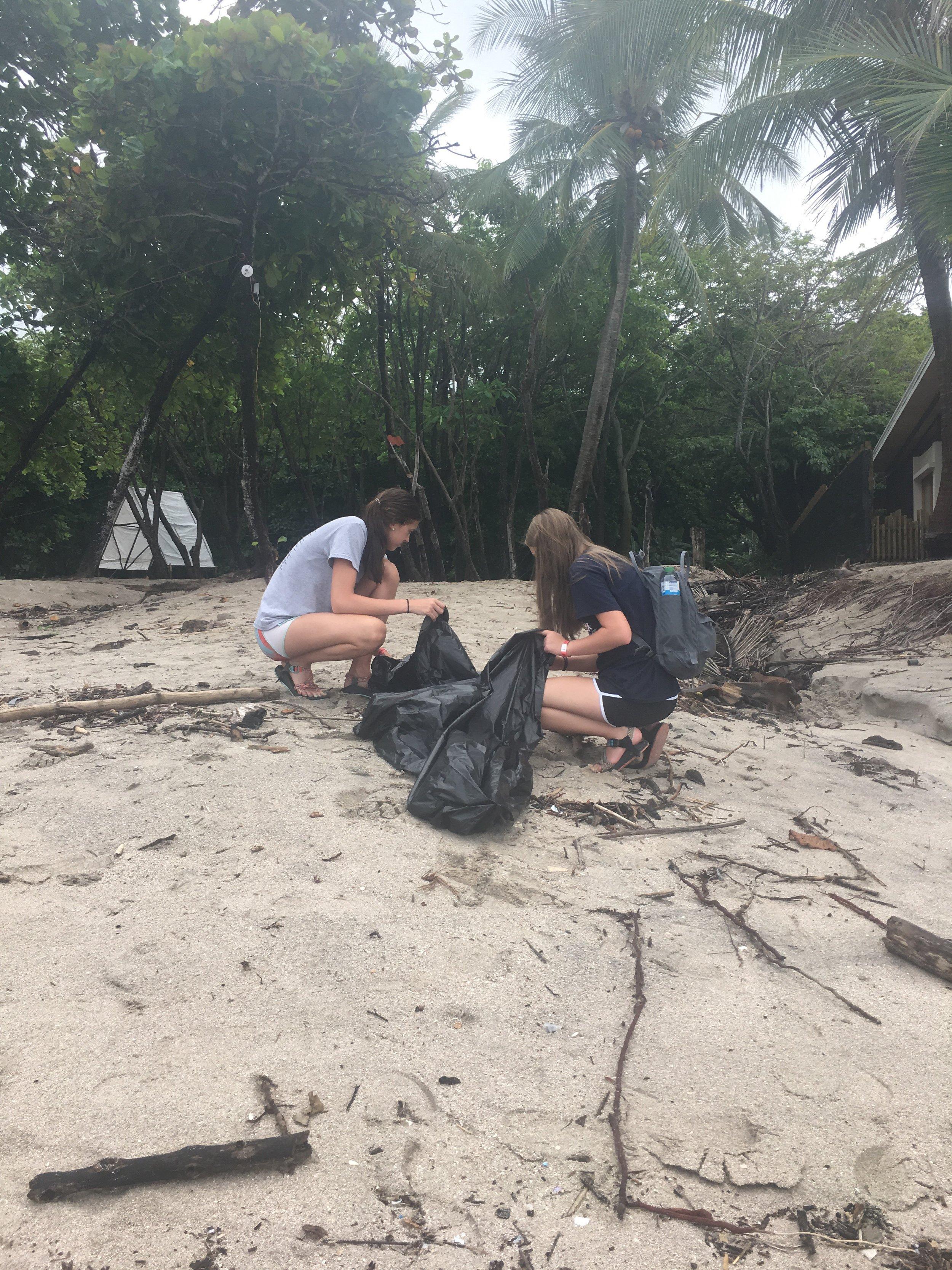 Cabo Blanco Beach Cleanup 04 040718.jpeg