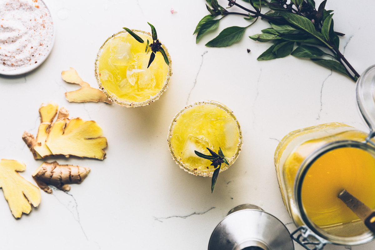 golden watermelon cocktail on millys-kitchen.com