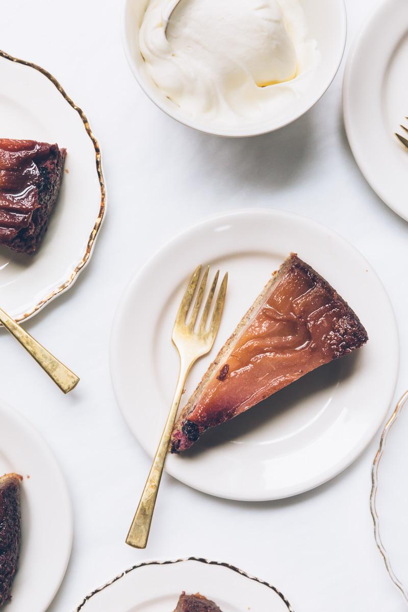 blackberry pear upside down cake on millys-kitchen.com