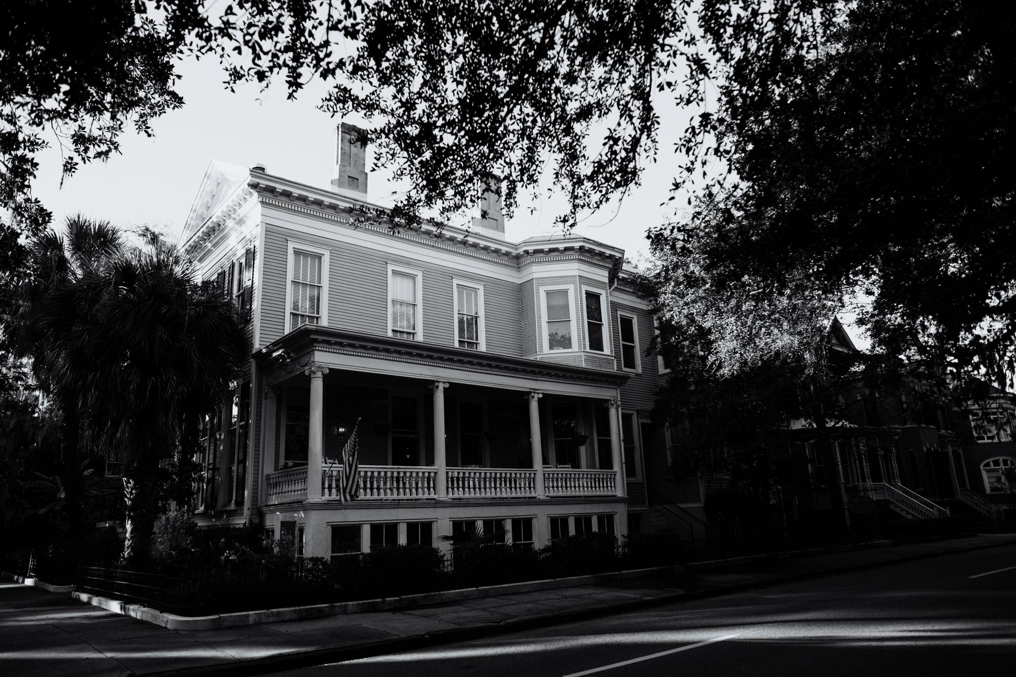 Forsyth Park Inn - Savannah Georgia Travel - Destination Elopement Photographer - Vow of the Wild