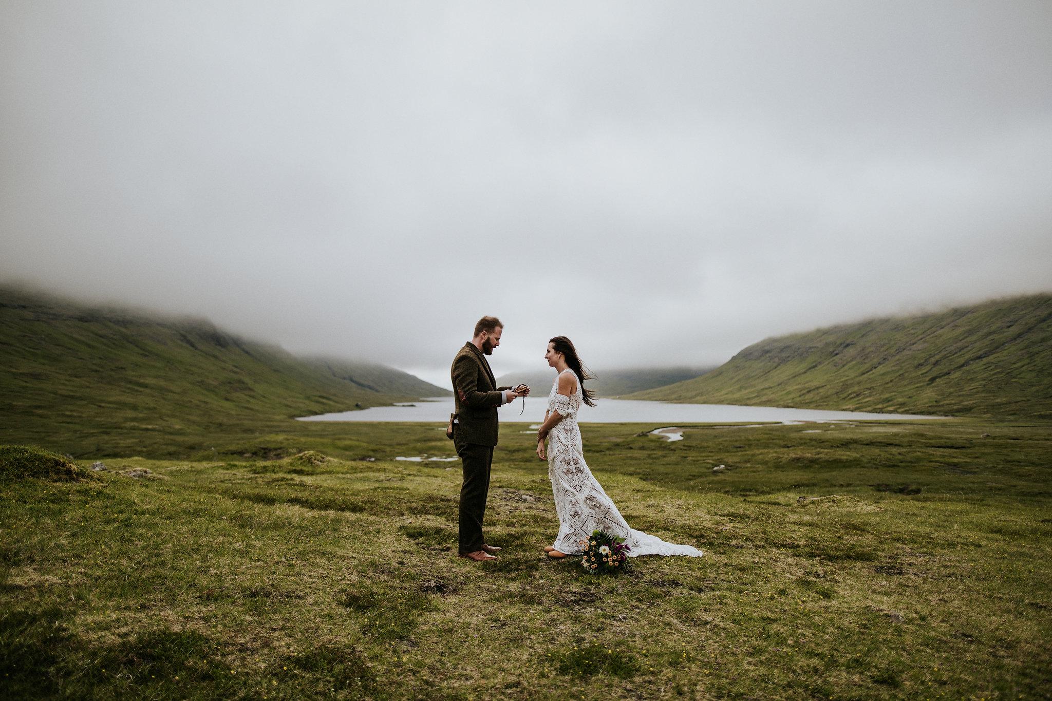 Faroe-islands-wedding-elopement-photographer