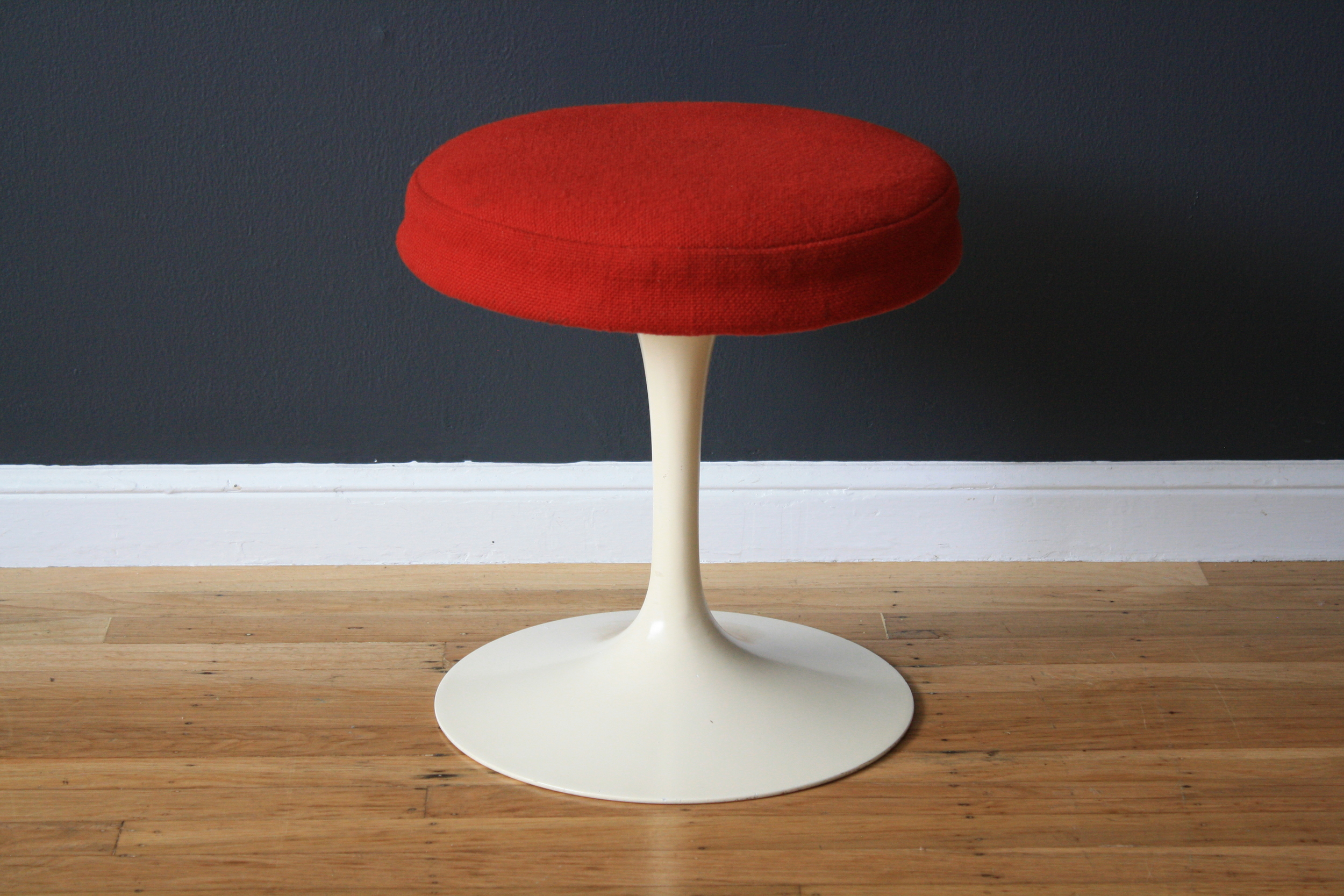 Vintage Tulip Stool by Eero Saarinen