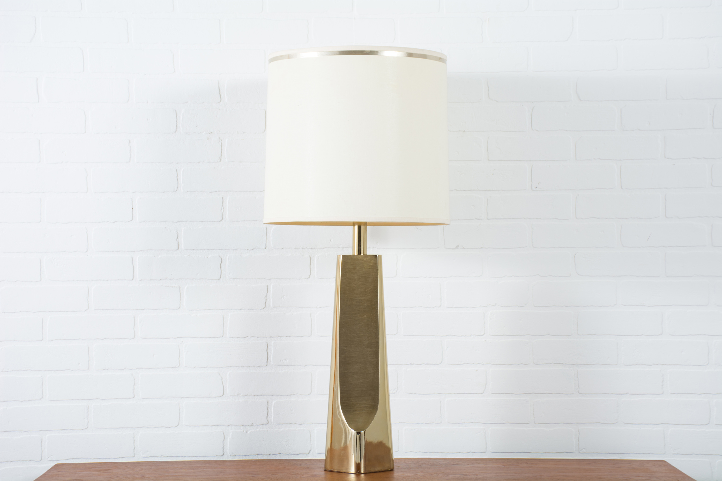 Vintage Mid-Century Brass Table Lamp by Laurel Lamp