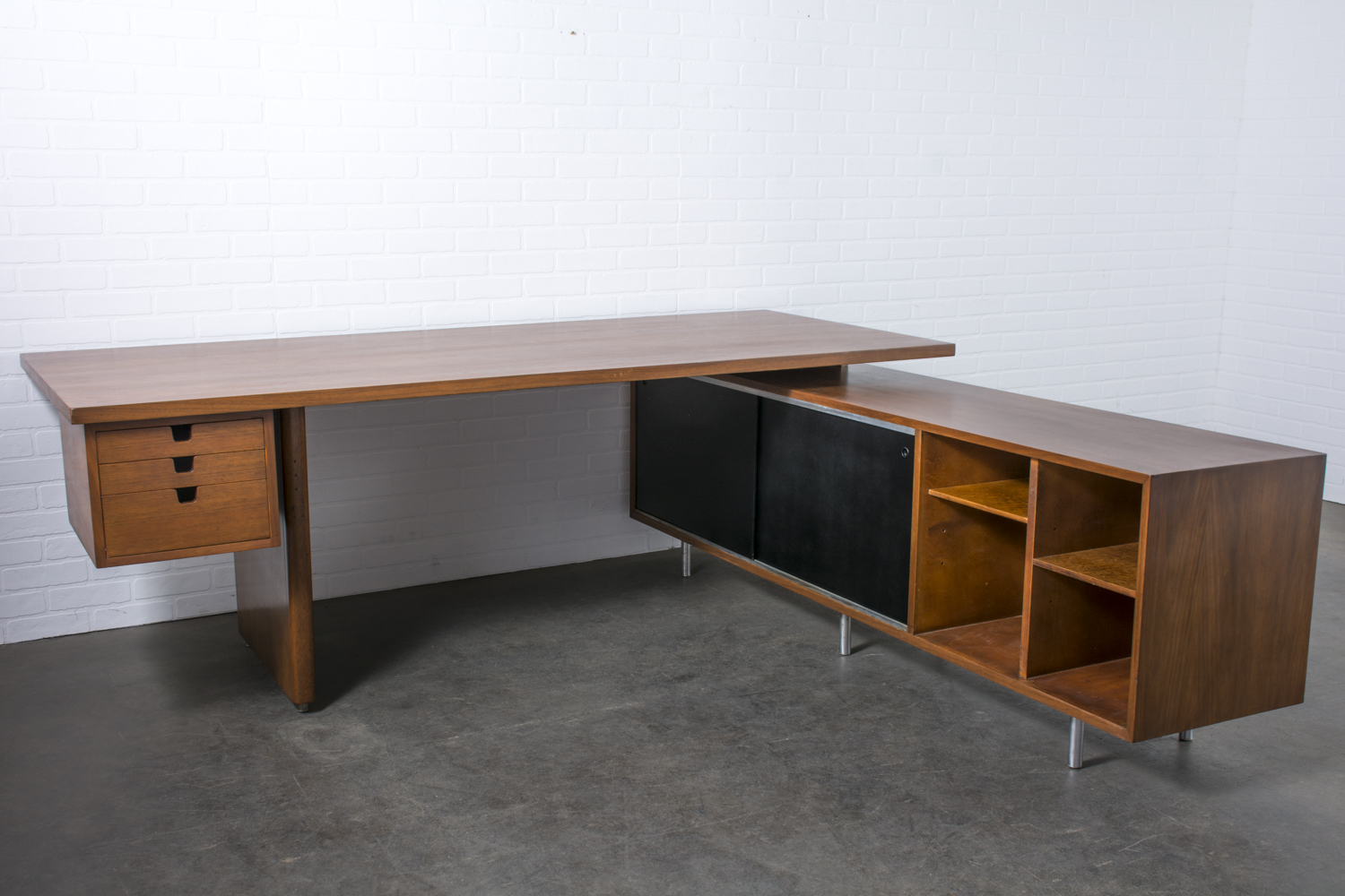 Vintage Walnut Executive Desk with Return by George Nelson for Herman Miller