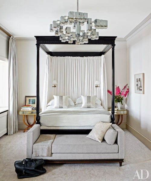 Gaetano Sciolari Chandelier in a Contemporary Bedroom via viasanvito.blogspot.com