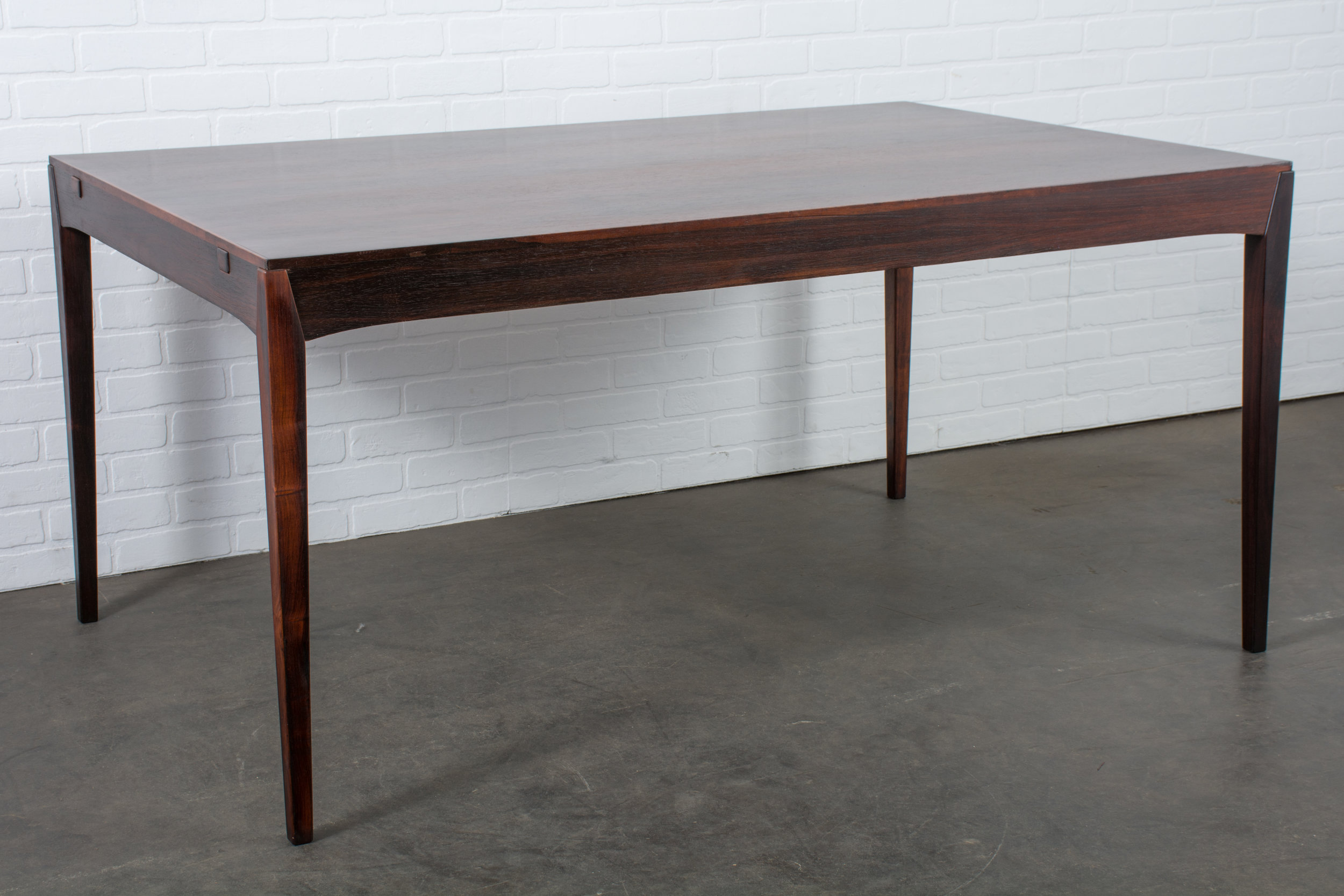 Danish Modern Rosewood Dining Table with Leaves by Hornslet Mobelfabrik