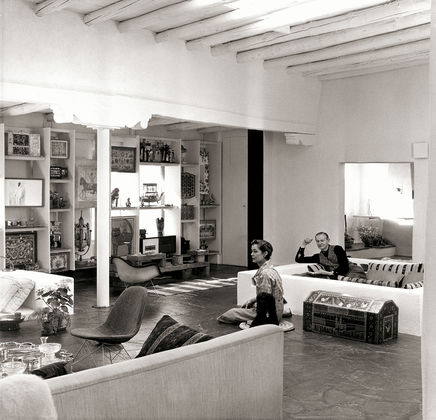Alexander Girard and his wife, Susan Needham at home in Santa Fe, New Mexico | Photo: Vitra.com