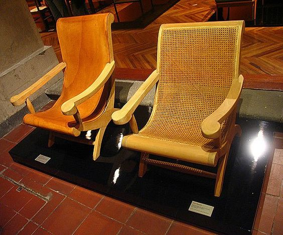 Pair of butaque armchairs by Clara Porset in an exhibition at the Museo Franz Mayer in Mexico City, 2006. Photo credit: donshoemaker.com