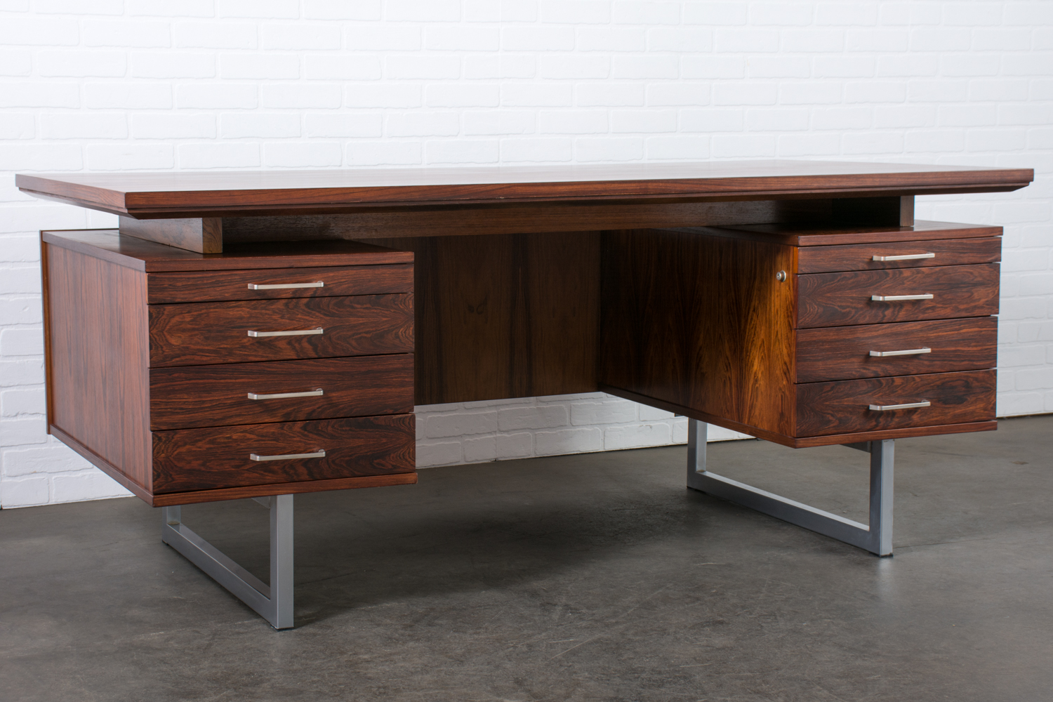 Image of: Mid Century Modern Rosewood Executive Desk 1960s Mid Century Modern Finds