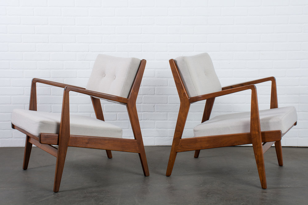 Jens Risom Walnut Lounge Chairs in Grey, Model U4230