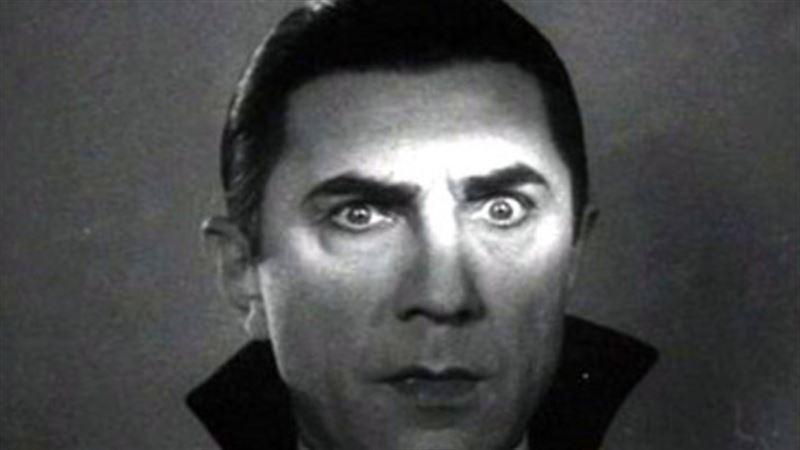 Image courtesy of http://www.standard.net/movies-tv/2015/10/29/dracula-1931-bela-lugosi-s-greatest-role