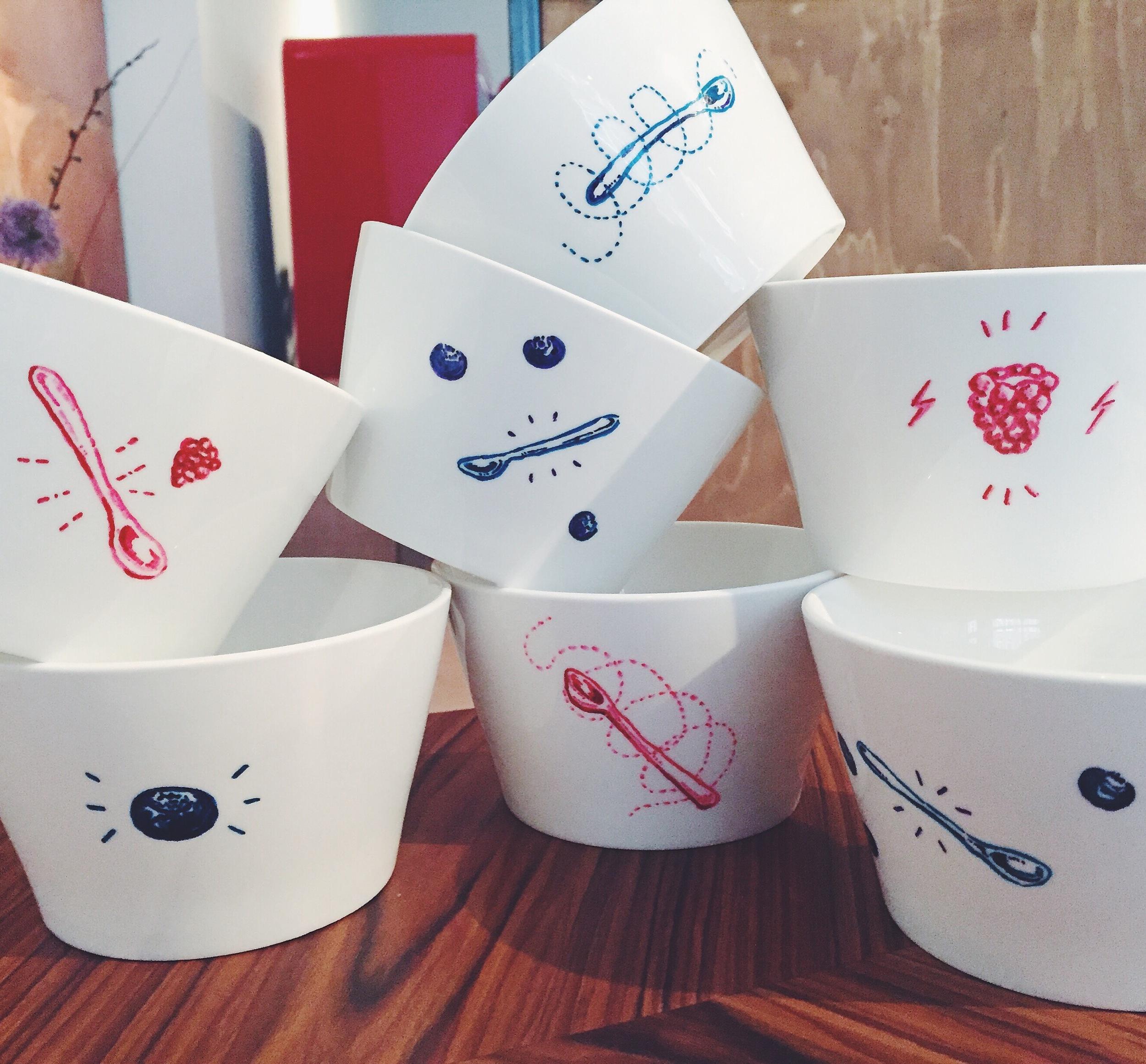 Quaker Cruesli - hand decorated cruesli bowls